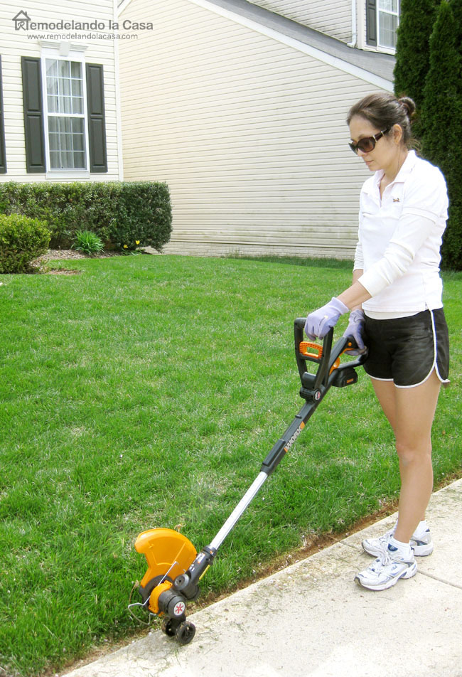 Using Worx trimmer to create a sharp line on the lawn