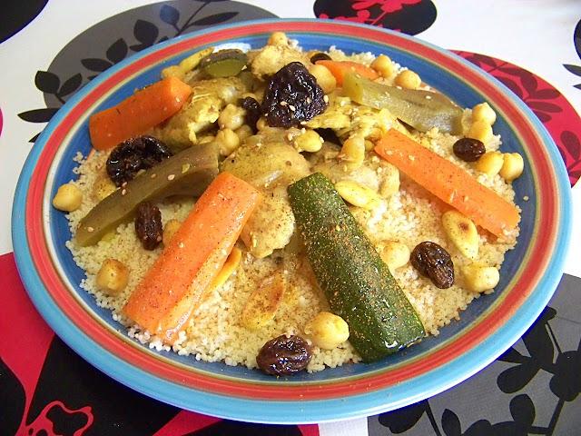 Cous-Cous con Pollo, Verduras y Ciruelas