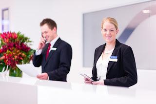 مطلوب موظفي استقبال من الجنسين لفندق 5 نجوم بأبو ظبي