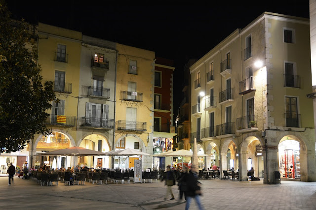 Figueres by night