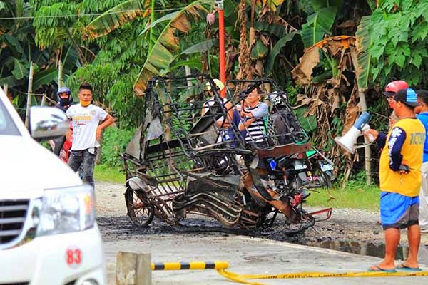 Tricycle Bumped by Speeding Bus Catches Fire