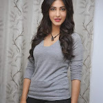 Sruthi Hasan latest hot pictures