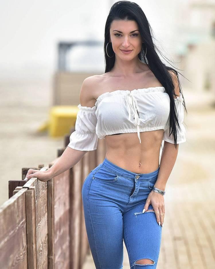 Inspiring Female Fitness Models_Valerija Slapnik