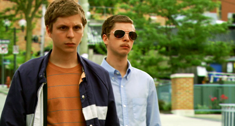 Michael Cera et son double dans Be Bad de Miguel Arteta (2009)