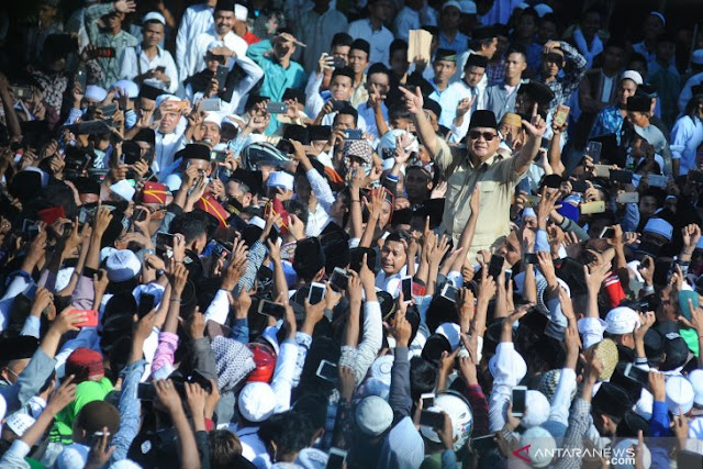 Survei LSPI: Swing Voter Mengarah ke Prabowo-Sandi