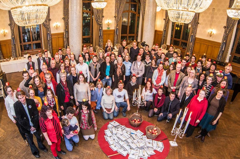 "Youtube: l'initiative suisse ""revenu de base""."