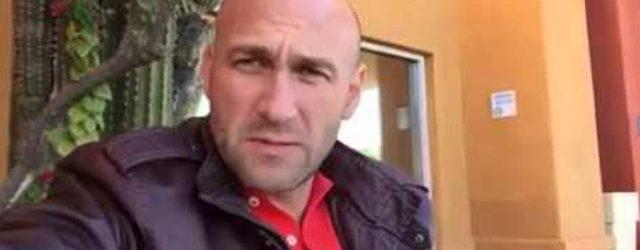 """Hijo de Ferriz de Con se lanza contra AMLO y le exige un salario que no sea """"jodido"""""""