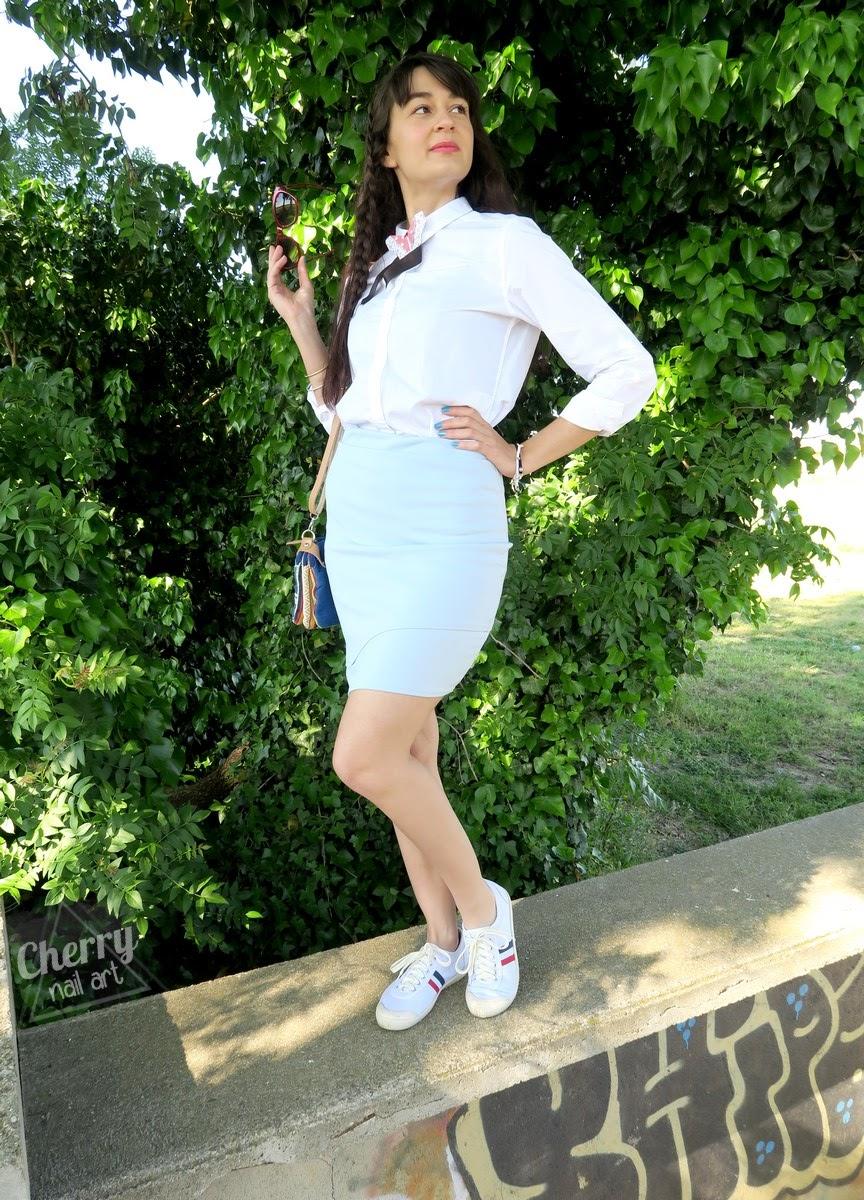 Look-tenue-printemps-pastel-chemise-blanche-col-original-origami