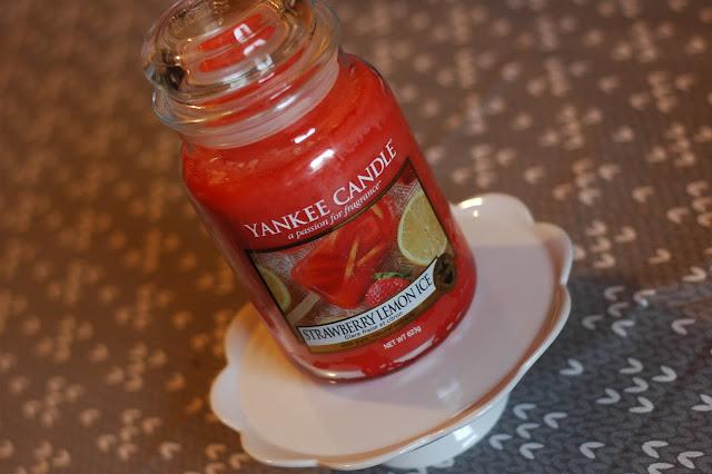 Yankee Candle - Strawberry Lemon Ice