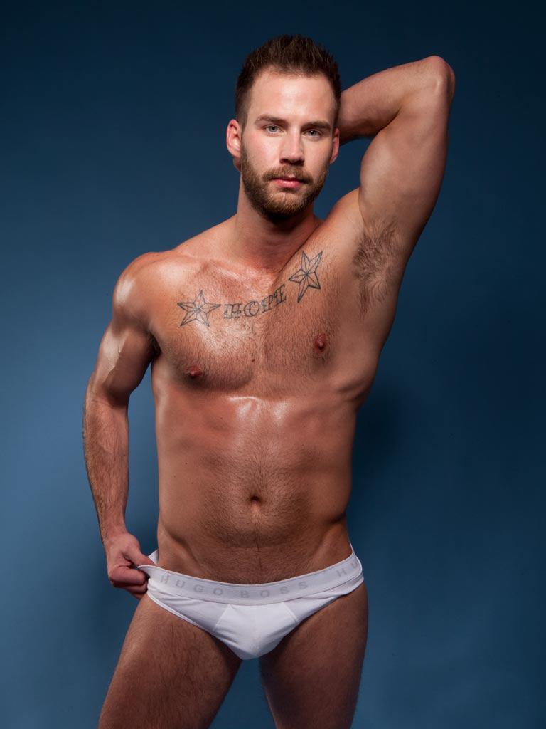 Gay Muscular Gallery 35