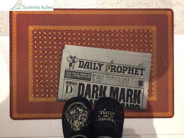 Capacho de porta e chinelo: itens da minha coleção de Harry Potter que uso em casa