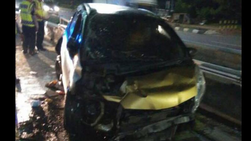 Kondisi mobil yang ditumpangi Sheila usai kecelakaan