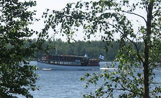 http://4.bp.blogspot.com/-F5MRNUiLtoM/TsDAR-Z7ASI/AAAAAAAAAG4/54TMubrvX-I/s1600/laiva.jpg