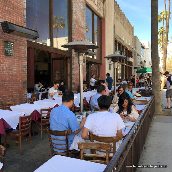 exterior of Trastevere in Santa Monica, California