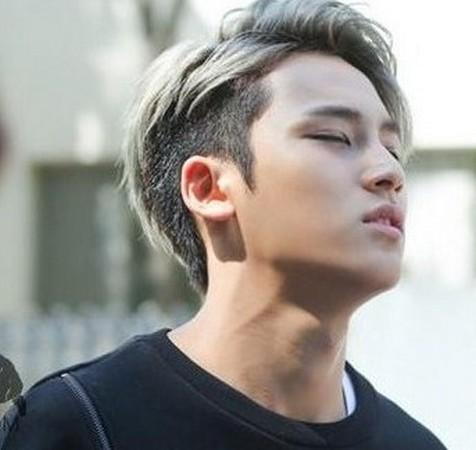 model rambut pria korea yang disukai wanita