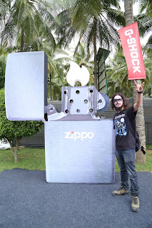 Fan Posing with Zippo Flame Art at BOA 2017