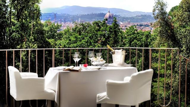 Restaurante com vista para Catedral Duomo em Florença