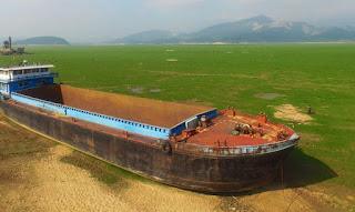 http://ecoinventos.com/desaparece-el-lago-poyang-el-mayor-lago-de-agua-dulce-de-china/