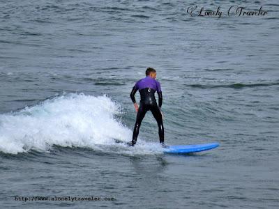 Surfing Tullan strand