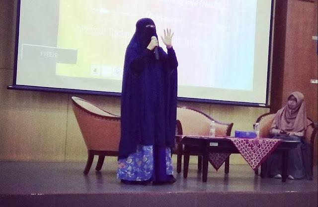 Nasihat Dokter Bercadar untuk Muslimah yang Menggunakan Cadar