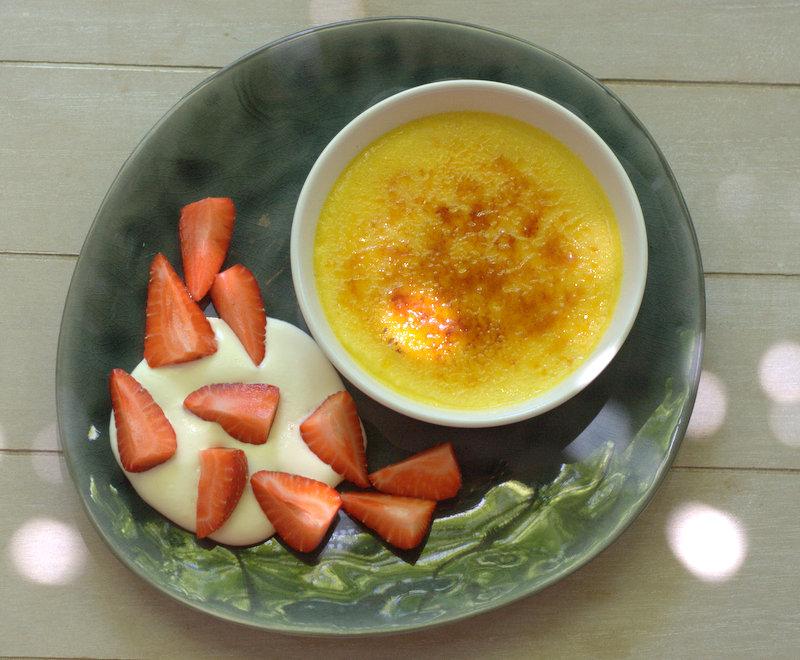 Vegetarische Sommerküche Paul Ivic : Bushcooks kitchen: crème brûlée von der passionsfrucht und erdbeer