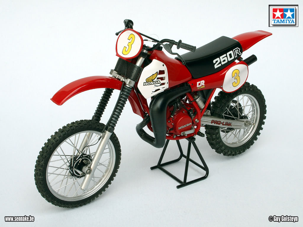 racing scale models honda cr 250 r 1981 by sennake tamiya. Black Bedroom Furniture Sets. Home Design Ideas