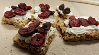 wild oats granola bars with toppings