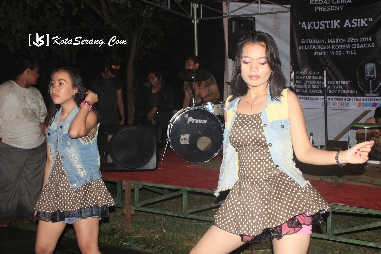 Vila Dance Perform in @Kedai_Ceriaa at @KotaSerang