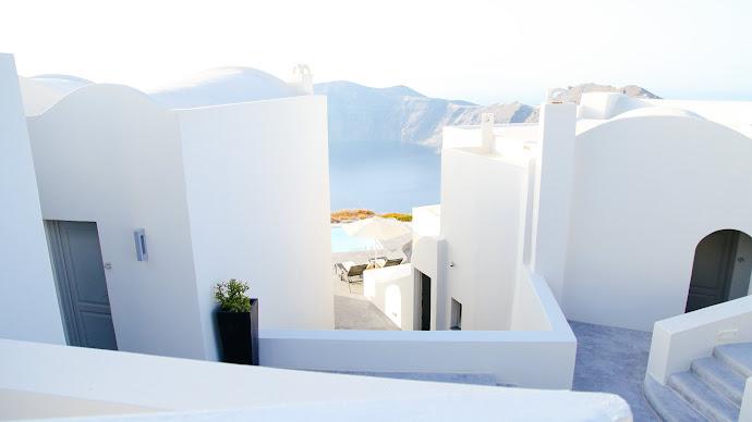 Wallpaper: Summer in Santorini Greece