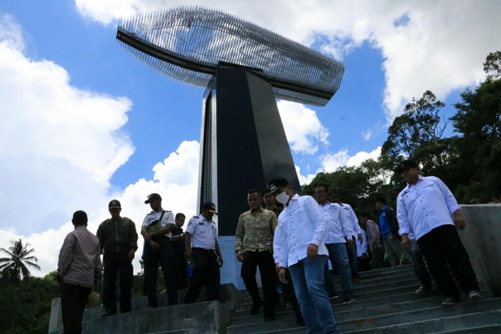 Bupati Simalungun dan rombongan tinjau pembangunan monumen KM Sinar Bangun