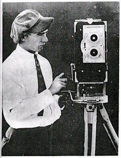 Оператор Чаплина Ролли Тотеро на студии Эссеней, 1912 г.