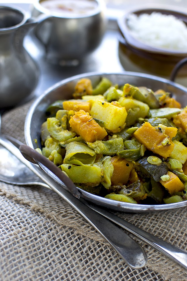 Bengali Mixed Vegetable Curry