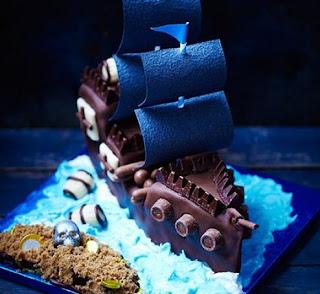 Kue Kapal Bajak Laut