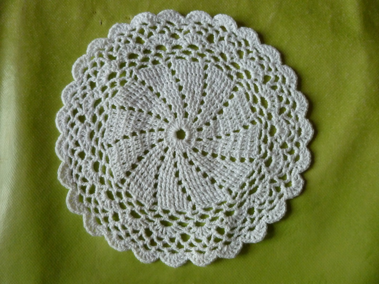 longchamp bricole napperon crochet facile. Black Bedroom Furniture Sets. Home Design Ideas