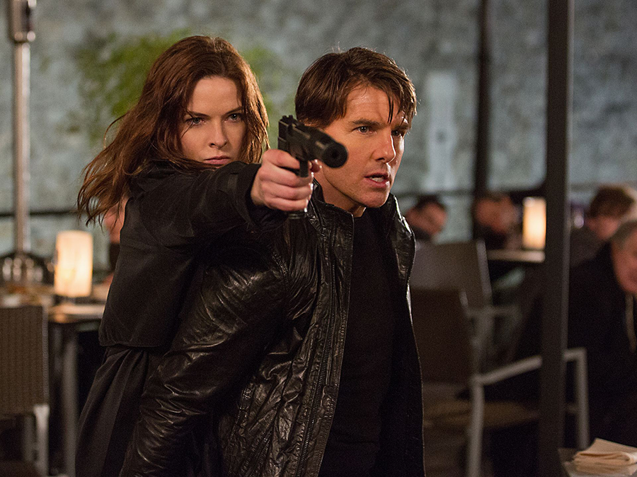 Tom Cruise şi nou venită Rebecca Ferguson în Mission: Impossible Rogue Nation