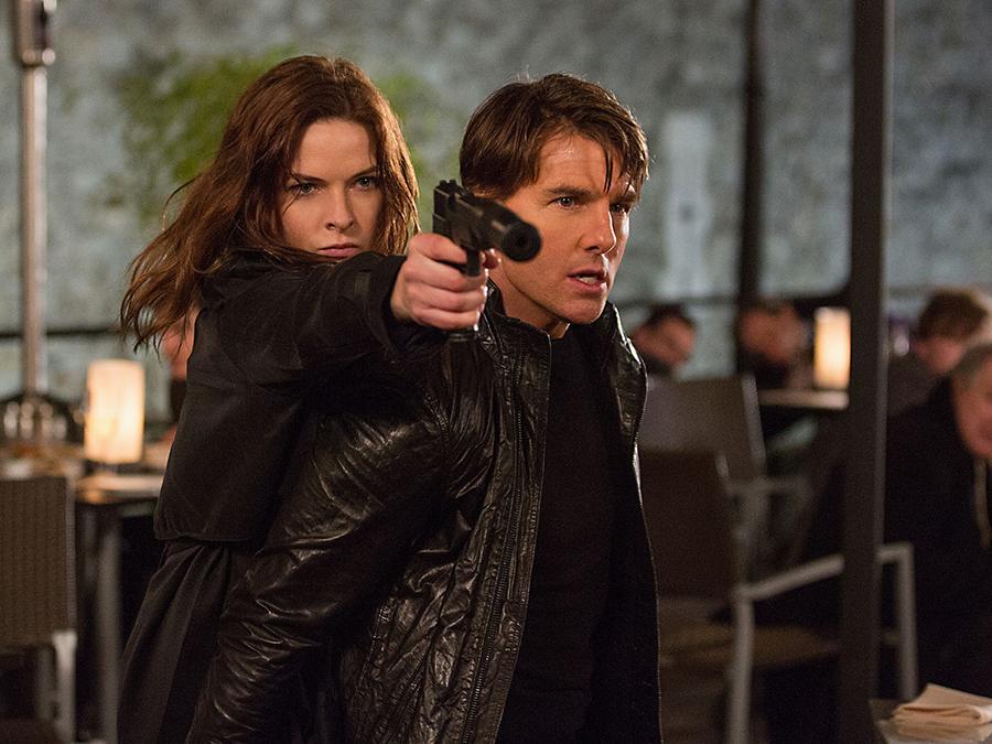 Tom Cruise şi nou venită Rebecca Ferguson în Mission: Impossible Rogue Nation