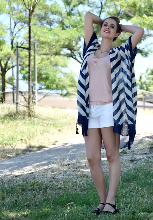 outfit-poncho-rayas-5