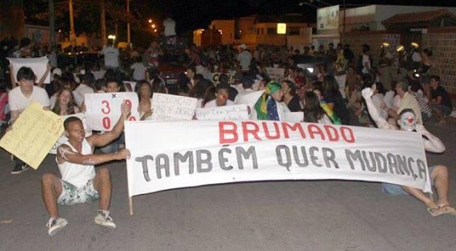 #VemPraRuaBrumado: Protestos nas ruas de Brumado - Bahia
