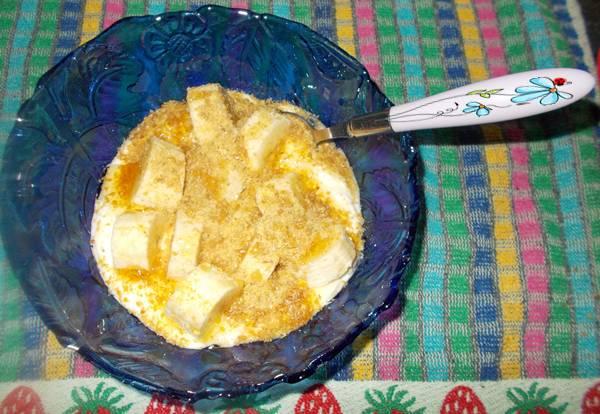 Ideia de lanche rápido e saudável com iogurte banana e farinha de linhaça