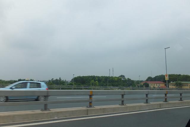 ハノイの道路 Road-hanoi