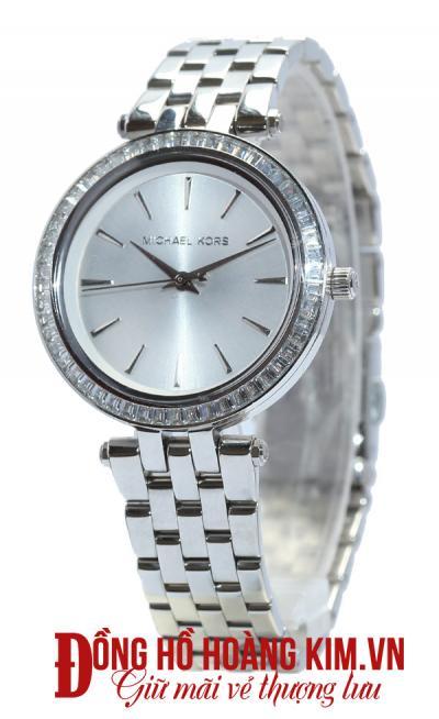 mua đồng hồ nữ uy tín