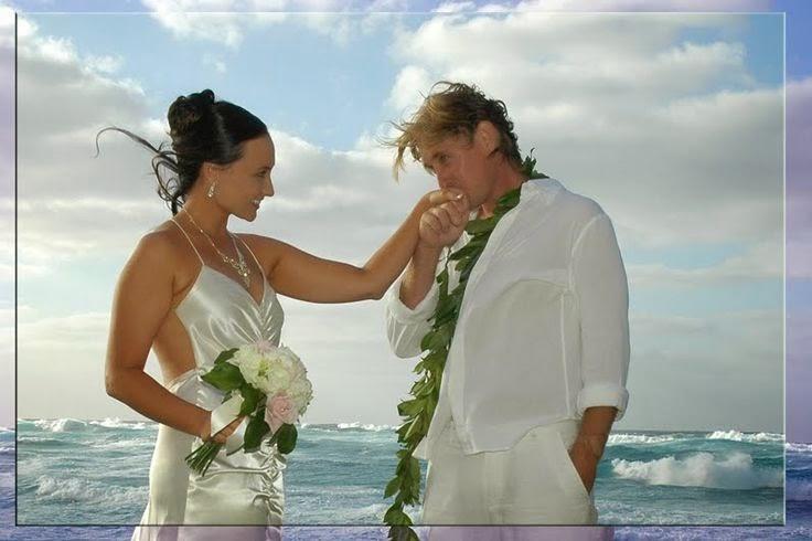 Beach Wedding Dresses For Hawaiian Or Themed