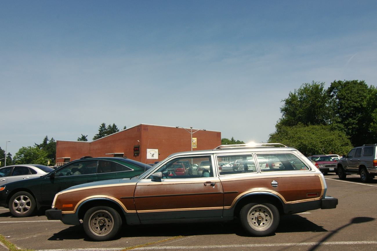 OLD PARKED CARS.: 1976 Ford Pinto Wagon. |Pinto Station Wagon