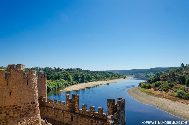 Castillos-de-Portugal, visitas desde la torre del castillo.