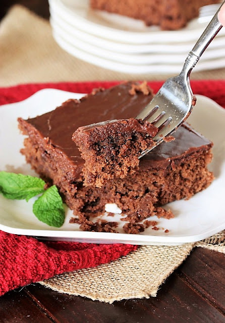 Chocolate Syrup Cake with Chocolate Icing Image