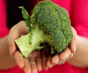 Scientists have sent broccoli seeds of coating of good bacteria in space. The motive is that astronauts can grow vegetables themselves in the space station.
