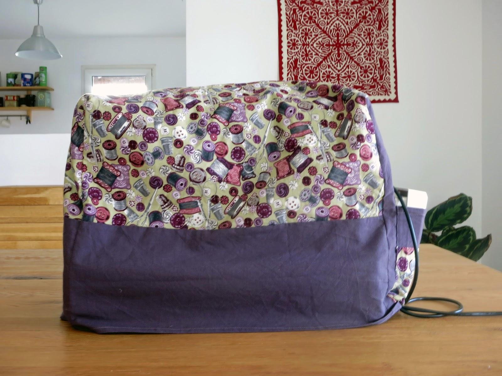 l 39 atelier de kalua comment je range ma machine coudre. Black Bedroom Furniture Sets. Home Design Ideas