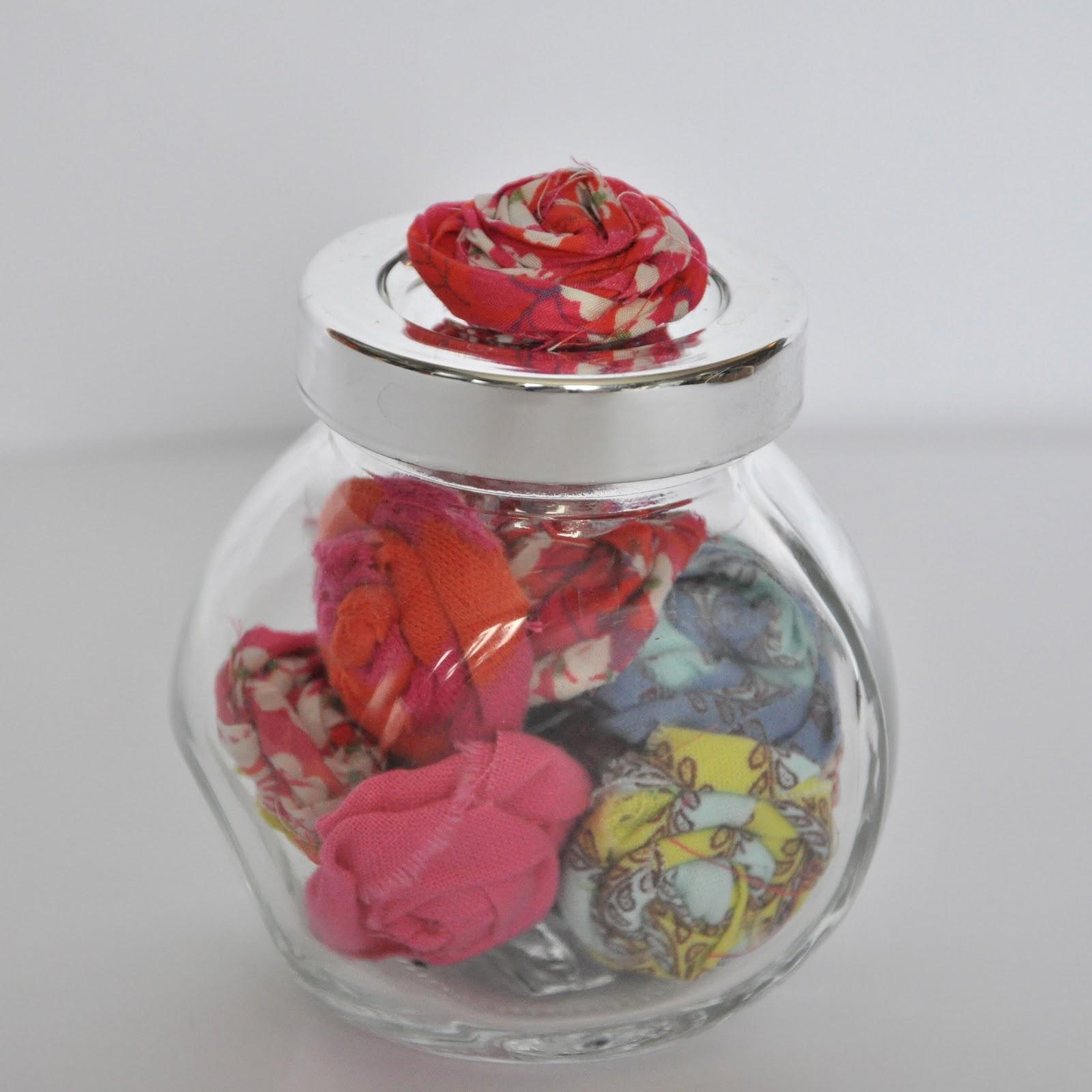 les f nt isies de cocorely fleurs en tissu. Black Bedroom Furniture Sets. Home Design Ideas