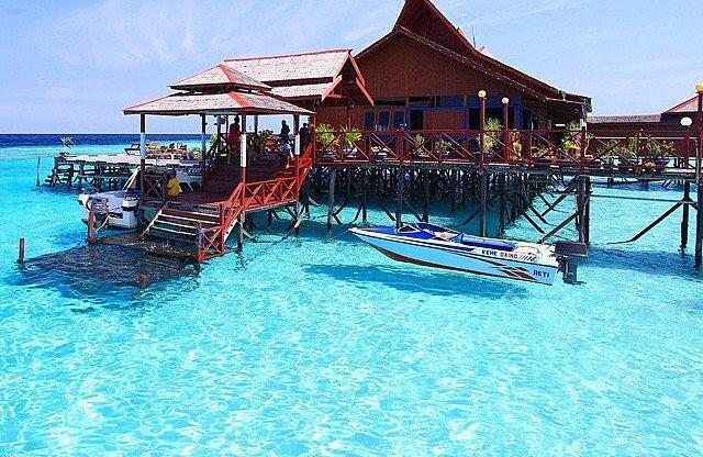 foto resort di pulau maratua