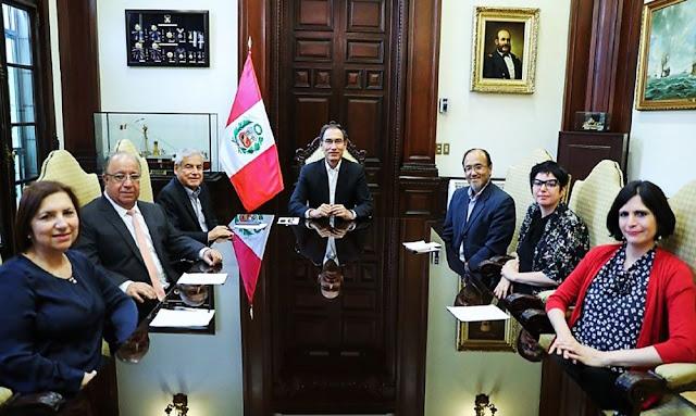 Presidente Martín Vizcarra sostuvo primera reunión en Palacio de Gobierno con equipo de profesionales para la reforma política